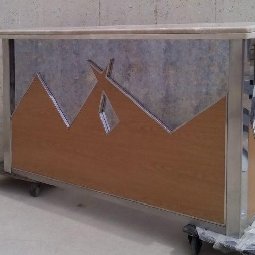 Barra marbre inox fusta mirall 214x50x111cm