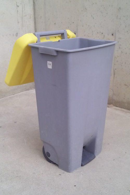 Contenidor de plàstic de segona mà a cabauoportunitats.com