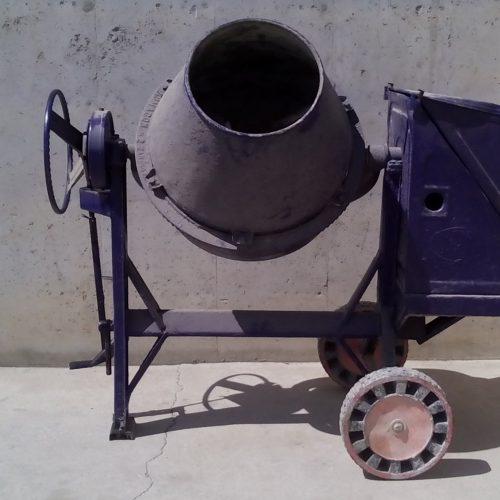 Formigonera UMACON amb motor benzina