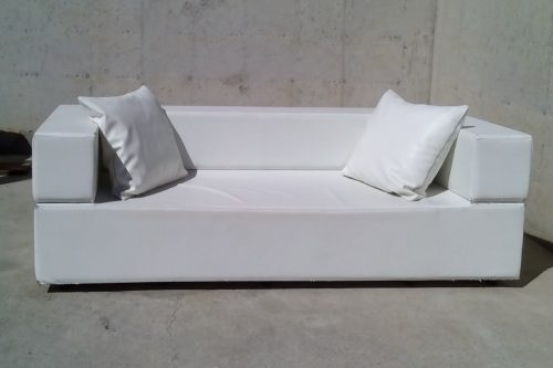 sofa-polipelSofà de polipell de color blanc