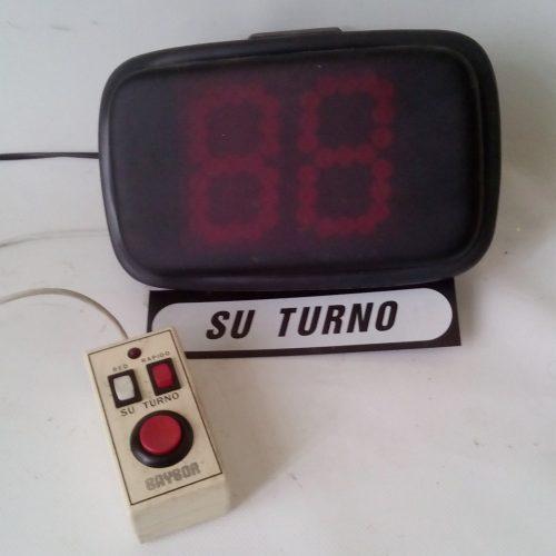 Visor de turnos «Su turno» de segunda mano en cabauoportunitats.com