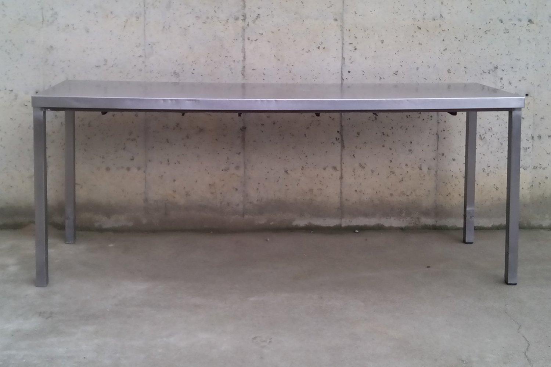 Mesa de acero inoxidable de 201cm cabau oportunitats for Mesa inoxidable segunda mano