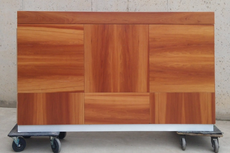 Barra de madera para recepci n cabau oportunitats for Mobiliario cafeteria segunda mano