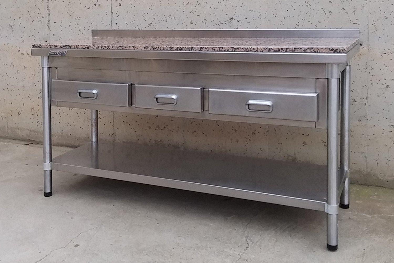Mostrador inox y marmol 146cm cabau oportunitats for Mesa inoxidable segunda mano