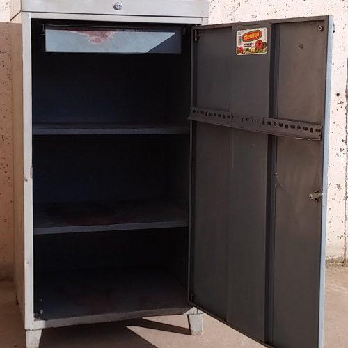 Armari escriptori metàl·lic de segona mà a cabauoportunitats.com