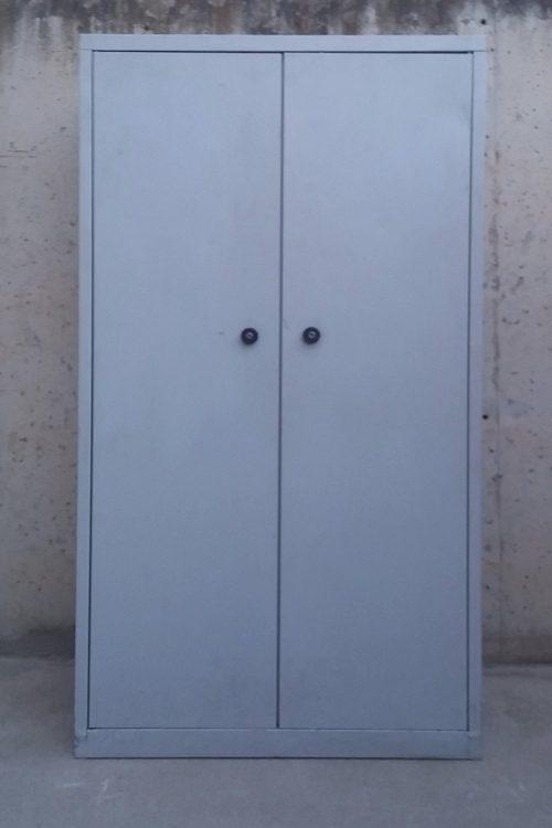 Armari metàl·lic de 95cm d'amplada de segona mà a cabauoportunitats.com