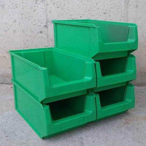 Cubeta apilable de 21x34x14cm d'ocasió a cabauoportunitats.com