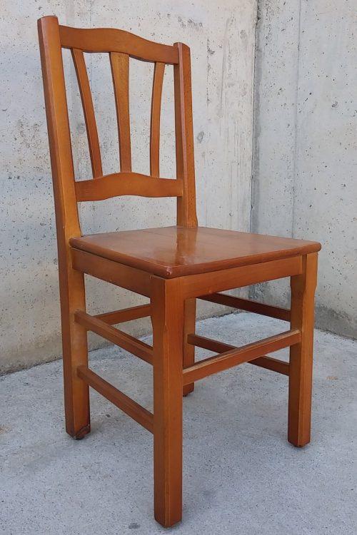 Cadira de fusta massissa d'ocasió a cabauoportunitats.com