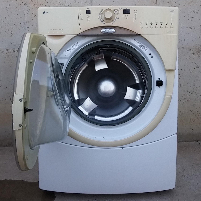 Rentadora whirlpool 8kg deamspace for Oficina de treball renovacio