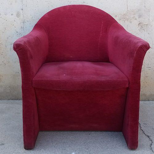 Lote de 3 sillones de terciopelo + mesa de ocasión en cabauoportunitats.com