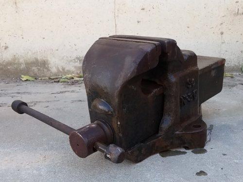 Cargol de taula d'acer de grans mides d'ocasió a cabauoportunitats.com