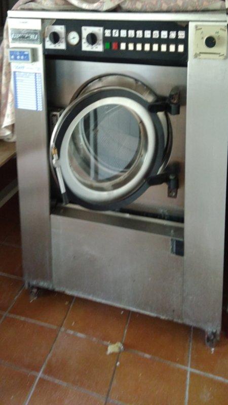 Rentadora industrial GIRBAU HS-2022 d'ocasió a cabauoportuntiats.com Balaguer - Lleida - Catalunya