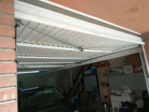 Porta de garatge d'ocasió a cabauoportunitats.com. Balaguer - Lleida - Catalunya