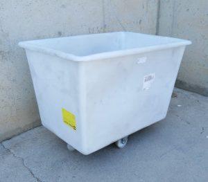 Contenidor de color blanc nou amb rodes vasculants a cabauoportunitats.com Balaguer - Lleida - Catalunya