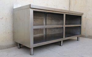 Taula de treball d'acer inoxidable de 180x70cm de segona mà a cabauoportunitats.com Balaguer - Lleida - Catalunya