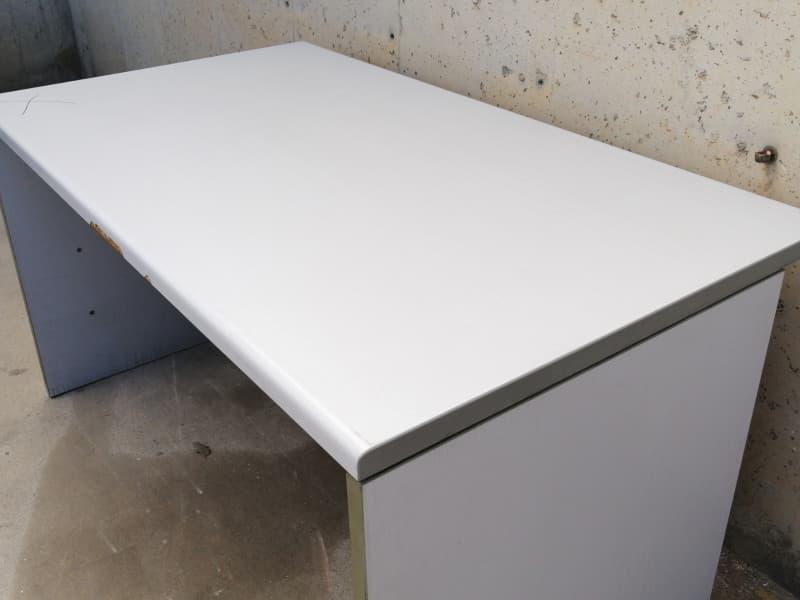 Escritorio color gris 140x80x74cm