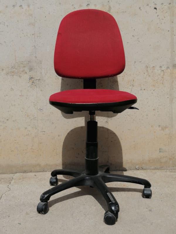 Silla de oficina color rojo