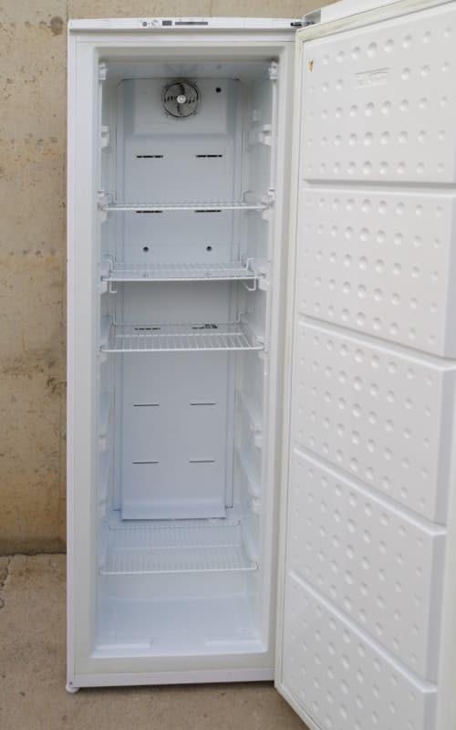 Congelador vertical BEKO de segona mà a cabauoportunitats.com Balaguer - Lleida - Catalunya