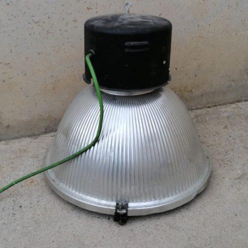 Làmpada de campana per a nau industrial de segona mà a cabuaoportunitats.com Balaguer - Lleida - Catalunya