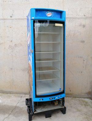 Congelador expositor amb porta de vidre de segona mà en venda a cabauoportunitats.com Balaguer - Lleida - Catalunya