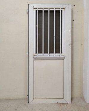 Porta de PVC amb finestra de segona mà en venda a cabauoportunitats.com Balaguer - Lleida - Catalunya