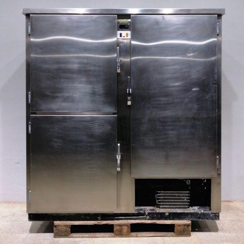 Armario frío MEC de tres puertas en venta en cabauoportunitats.com