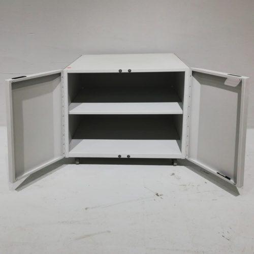 Armario metálico de segunda mano con ruedas en venta en cabauoportunitats.com