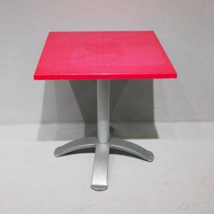 Mesa de terraza con pata central de aluminio de segunda mano en venta en cabauoportunitats.com